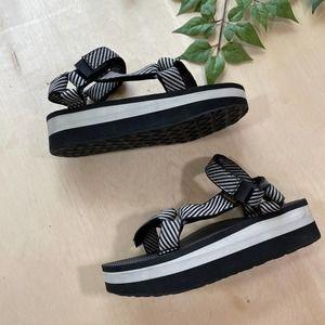 Teva Flatform Platform Universal Striped Sandal 7